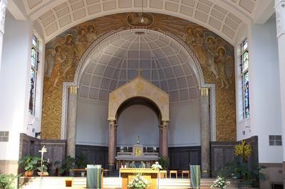Visite De L'église Sainte-jeanne-d'arc à Mulhouse