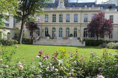 Visite De L'hôtel De Beauvau Et Expositions à Paris 8ème