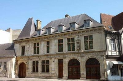 Visite De L'hôtel De La Salle à Reims