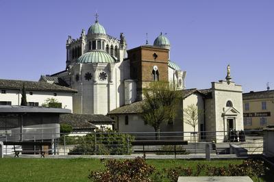 Visite De La Basilique Et Du Village Du Saint Curé D'ars à Ars sur Formans