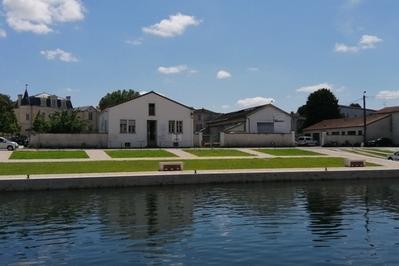 Visite De La Cale Du Port De Niort