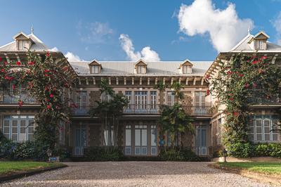 Visite De La Distillerie Et Du Château Depaz à Saint Pierre