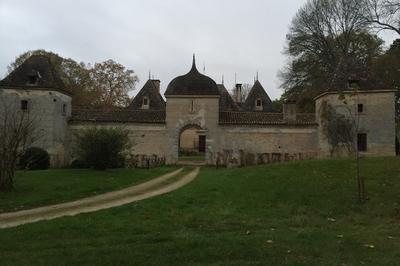 Visite Des Extérieurs Du Château à Grateloup