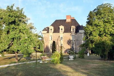 Visite Des Extérieurs Du Château Et Du Parc à Saint Aubin de Luigne