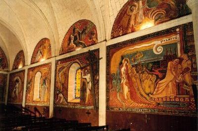 Visite Des Peintures Murales De L'église à Saint Fraigne