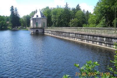 Visite Du Barrage Des Settons à Montsauche les Settons