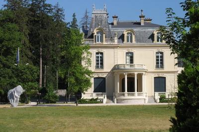 Visite Du Château Borel Par Les élus à Saint Egreve