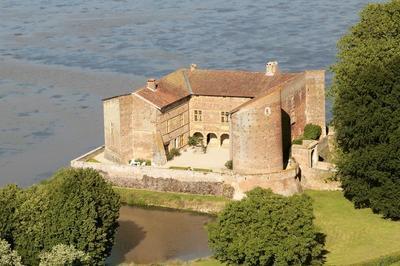 Visite Du Château De Bouligneux XIVe, XVe Et XVIIe Siècles