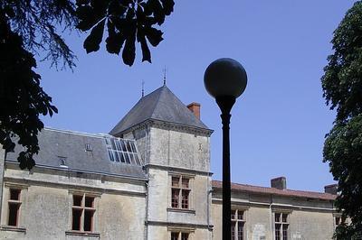 Visite Du Château Renaissance à Coulonges sur l'Autize