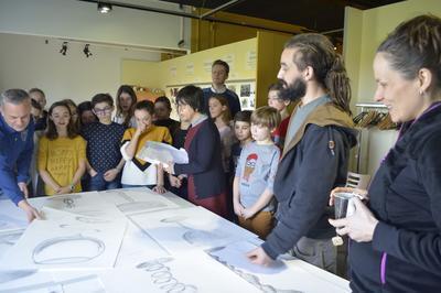 Visite Du Musée Et De L'exposition Temporaire  En Verre Et Contre Tout à Samadet