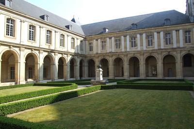 Visite Du Musée Et De Son Cloître à Reims