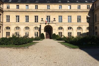Visite Du Pavillon Boncourt, Hôtel De La Ministre De L'enseignement Supérieur, De La Recherche, Et De L'innovation à Paris 5ème
