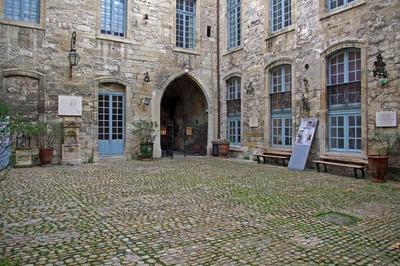 Visite En Famille Du Palais Du Roure à Avignon