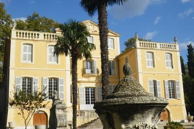 Visite En Famille : La Vie Rêvée De La Bastide De La Magalone à Marseille