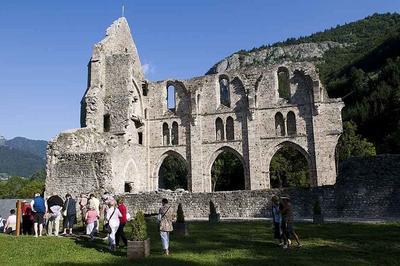 Visite Expérientielle Des Vestiges à Saint Jean d'Aulps