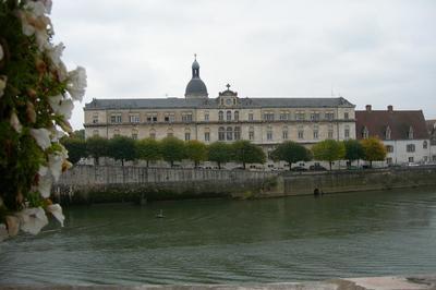 Visite Générale De L'ancien Hopital Saint-laurent à Chalon sur Saone