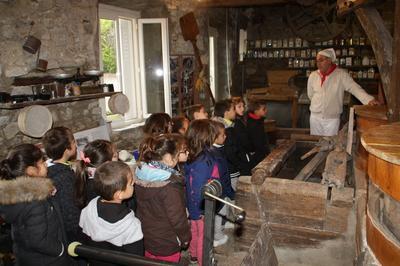 Visite Guidée à Carla de Roquefort