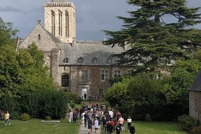Visite Guidée à L'abbaye De La Lucerne à La Lucerne d'Outremer