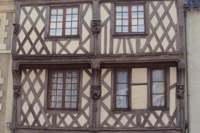 Visite Guidée Architecture Blésoise : D'ici Et D'ailleurs à Blois