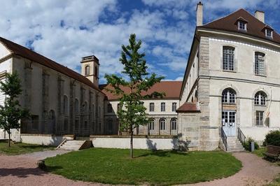 Visite Guidée De L'abbaye De Corbigny