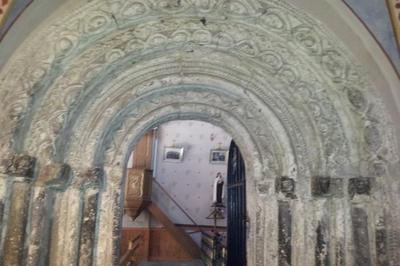 Visite Guidée De L'ancien Portail Roman à Arrout