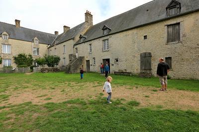 Visite Guidée De L'ancienne Ferme-manoir De Beauvais à Sainte Mere Eglise