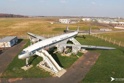 Visite Guidée De L'avion Lockheed L1049 G Super Constellation F-bgnj à Saint Aignan Grandlieu