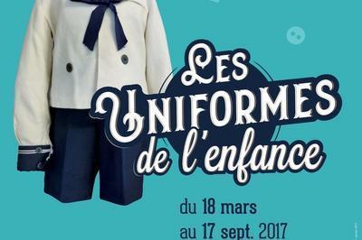 Visite Guidée De L'exposition Temporaire Les Uniformes De L'enfance à Cholet