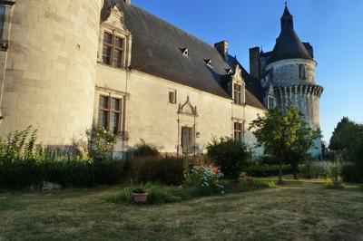 Visite Guidée De L'extérieur Et Du Rez-de-chaussée Du Château De Richelieu à Coussay