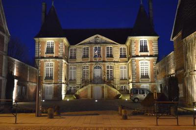 Visite Guidée De L'hôtel De Brilly,  Mairie Actuelle à Pont l'Eveque