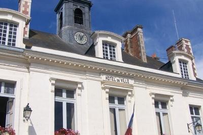 Visite Guidée De L'hôtel De Ville De Châteaudun à Chateaudun