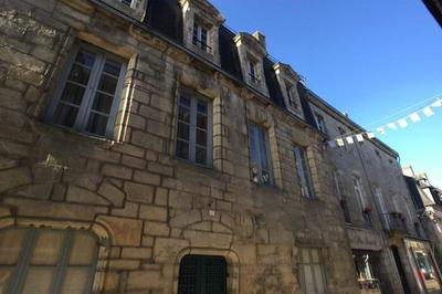 Visite Guidée De L'hôtel Particulier De Saint Allouarn. à Quimper