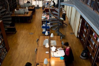 Visite Guidée De La Bibliothèque De La Cinémathèque De Toulouse