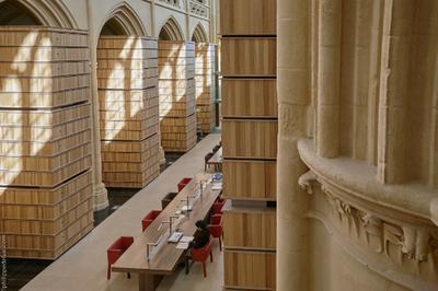 Visite Guidée De La Bibliothèque Et Des Magasins D'archives à Authie