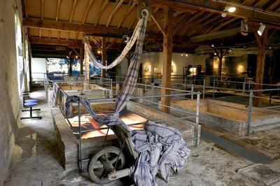 Visite Guidée De La Fibre Au Vêtement, L'évolution D'un Territoire à Cholet