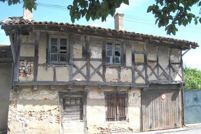 Visite Guidée De La Maison Ancienne De La Rue Ratelet à Bage le Chatel