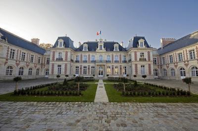 Visite Guidée De La Préfecture à Poitiers