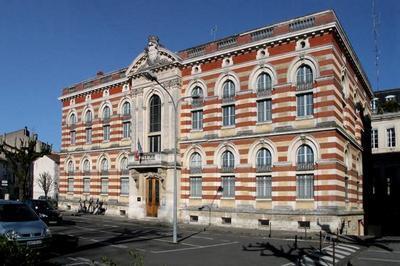 Visite Guidée Des Archives Départementales à Agen