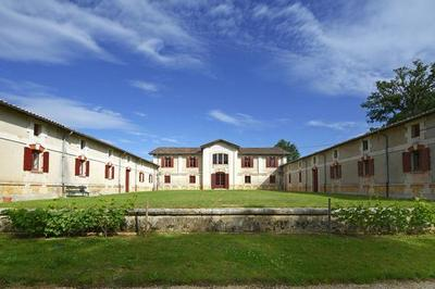Visite Guidée Du Chai De Lardimalie à Saint Pierre de Chignac