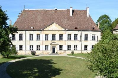 Visite Guidee Du Château Par Ses Propriétaires à Le Passage