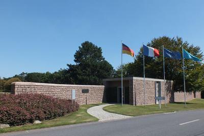 Visite Guidée Du Cimetière Militaire Allemand De Lesneven - Ploudaniel