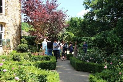 Visite Guidée Du Jardin Des Six Sens à Crecy Couve