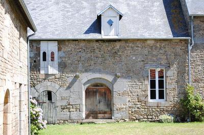Visite Guidée Du Manoir De Lerre à Champcervon