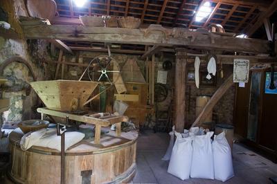Visite Guidée Du Moulin De La Presle à Planchez