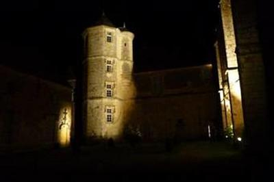 Visite Guidée Du Prieuré Animé À La Tombée De La Nuit à Saint Cyr la Rosiere