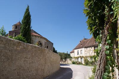 Visite Guidée Du Village à Verneuil en Bourbonnais