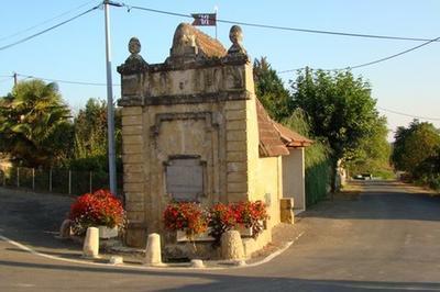 Visite Guidée Du Village : La Fontaine Et Le Château à Orbessan
