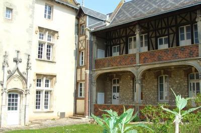 Visite Guidée Enseignement Et Culture Dans La Ville Haute à Chateaudun
