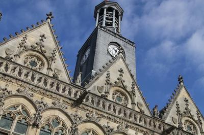 Visite Guidée Hôtel De Ville à Saint Quentin