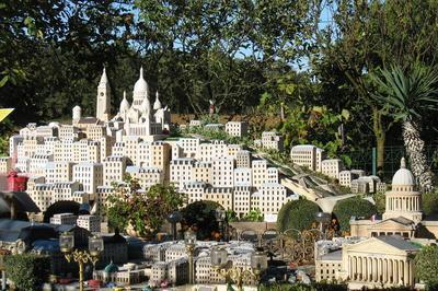 Visite Guidée Parc De La Miniature. à Vaissac